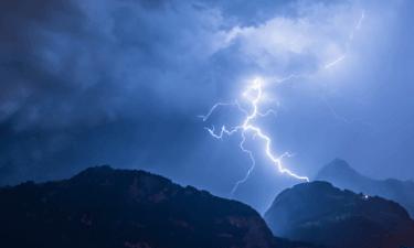 Lightning Wilderness And Travel Medicine